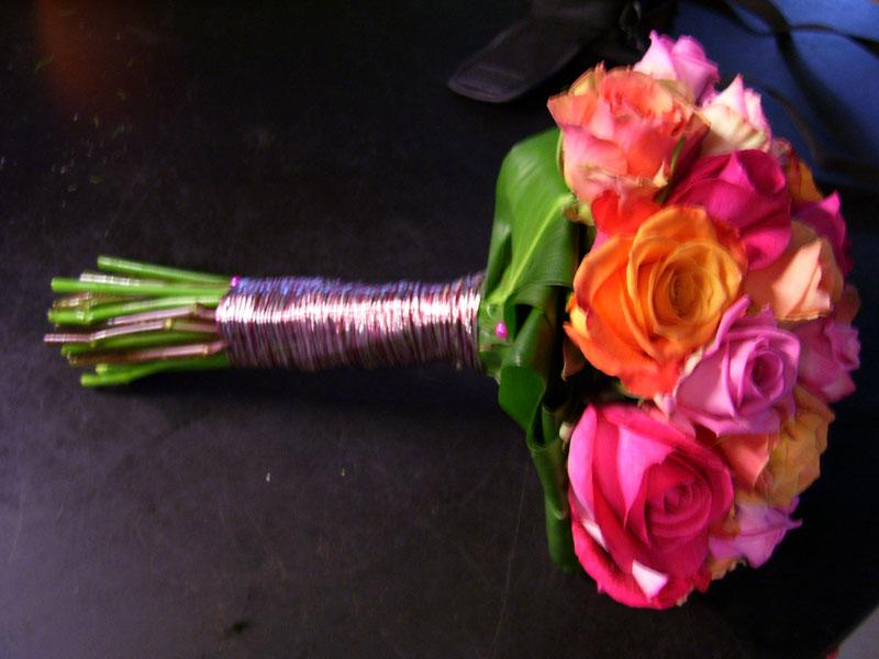 Romantisch klassiek boeket in moderne kleuren