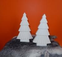 kerstboompjes van mat wit keramiek